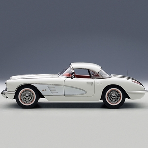 1958 C1 Corvette Snowcrest White - Die Cast 1:18